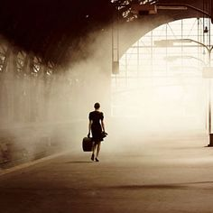 A fun image sharing community. Explore amazing art and photography and share your own visual inspiration! Urbane Fotografie, Street Photography, Art Photography, Fashion Photography, The Road Not Taken, Modern Hepburn, Anais Nin, Vampire Knight, Light And Shadow