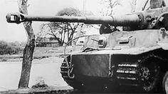 Tiger 'S24' from the 13./SS-Panzer-Regiment 1 of the Leibstandarte Division in late December 1943 during one of the company's numerous road marches from one crisis area to another. GIF actif