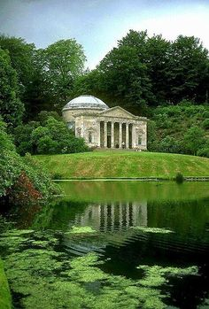 England s smallest stately home ebberston hall built for Jardin ingles