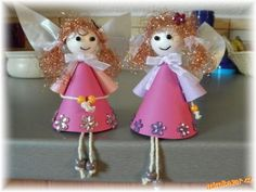 paper angels Paper Angel, Diy And Crafts, Christmas Ornaments, Holiday Decor, Log Projects, Christmas, Christmas Jewelry, Christmas Decorations, Christmas Decor