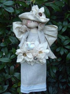 Cute Crafts, Crafts To Do, Handmade Angels, I Believe In Angels, Angel Crafts, Felt Patterns, Toy Boxes, Fabric Dolls, Textiles
