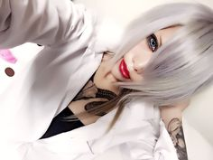 いつもお世話になっている美容室GOGOさんにて!めちゃめちゃ綺麗な白銀にして下さって感謝っ✨いつも理想に近づけてくれてありがとうございます❤髪の毛ばっさり切ってスッキリ(ノ)・ω・(ヾ)今回はメンズStyleだよいえあ #美容室GOGO #イメチェン #hairstyle #派手髪 #visual #visualkei #V系 #angel妖精 #白銀 #newhair #haircolor