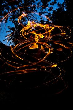 What a stunning fire poi display!