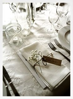 White table setting with a hint of brown ~ burlap ties on napkin or note on napk. White table setting with a hint of brown ~ burlap ties on napkin or note on napkin? White Table Settings, Wedding Table Settings, White Tables, Rustic Wedding, Our Wedding, Dream Wedding, Wedding Dinner, Wedding Ties, Wedding Table Decorations