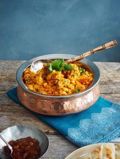 One pot wonder - lettvint gryterett - Mat På Bordet One Pot Wonders, Chapati, Shimla, Garam Masala, Curry, Ethnic Recipes, Food, Cilantro, Red Peppers