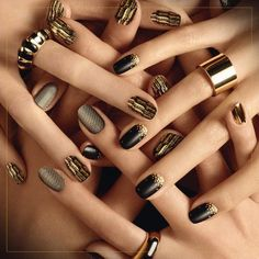 Generally, people thought nail art can be possible on long nails But actually, it's not so! Simple nail art designs for short nails are not only popular Gold Glitter Nail Polish, Metallic Nails, Gold Nails, Bronze Nails, Foil Nail Art, Nail Art Diy, Easy Nail Art, Latest Nail Designs, Simple Nail Art Designs