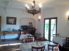Full service breakfast area @ Eagle Inn, Santa Barbara, CA.  Not bad for the price, pleasantly surprised!