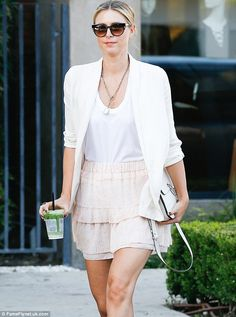 Maria Sharapova Photos - Professional tennis player Maria Sharapova is spotted leaving her hotel in New York City, New York on September - Maria Sharapova Steps Out in NYC Miss And Ms, My Maria, Maria Sharapova Photos, Professional Tennis Players, Tennis Players Female, Tennis Stars, Sports Stars, Winter Olympics, Celebs
