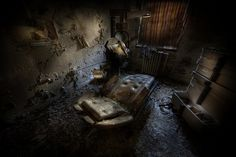 Root canal treatment room by andre govia., via Flickr--looks like Dr. Giggles