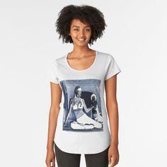 Promote | Redbubble Wenn sie anstatt ein T-Shirt ein Gemälde trägt und ihre Schönheit ausstrahlt.Wenn sie tanzt und wenn der Sommer kommt. • Entdecke einzigartige Designs und Motive von unabhängigen Künstlern.#wolf#tanz#yogagirl#topgirl#yogalife#loveaffair New York, Black And White Drawing, My T Shirt, Tshirt Colors, Cap Sleeves, Classic T Shirts, Looks Great, People, Fitness Models