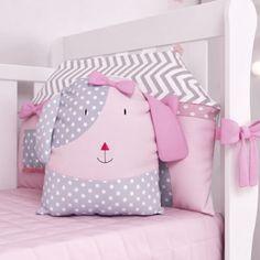 Kit Berço Amiguinhas} Diy Pillows, Cushions, Backrest Pillow, My Baby Girl, Baby Sewing, Diaper Bag, Diy And Crafts, Toddler Bed, Creative