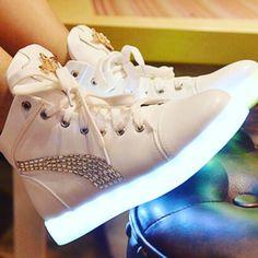 Yes or No?:)они светятся в темноте :)