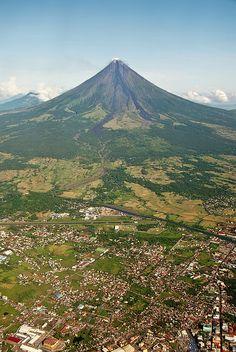 Volcán Mayon. Legazpi. Filipinas.