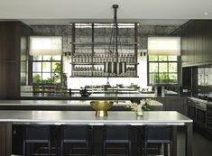 These designer kitchen ideas from Kelly Wearstler, Greg Natale, Jean-Louis Deniot et al are all the inspiration you'll need to create your dream space. Cafe Interior, Luxury Interior, Luxury Furniture, Interior Design, High End Kitchens, Cool Kitchens, Best Kitchen Designs, Kitchen Ideas, Masculine Interior
