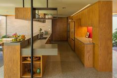 Mid-Century Modern on the Cusp: the Bendit House - Mid Century Home Décoration Mid Century, Mid Century Decor, Mid Century House, Mid Century Style, Mid Century Design, Mid-century Interior, Interior And Exterior, Interior Design, Solid Surface Countertops