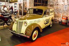 #Renault #Juvaquatre au salon Auto Moto Retro Dijon. Reportage complet : http://newsdanciennes.com/2016/03/19/grand-format-a-lauto-moto-retro-dijon/ #ClassicCar #Voiture #Ancienne #Vintage