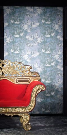 With this romantic and textural piece, the Scandinavian artist takes wallpaper back to its roots in tapestry. Swan Lake, Animal Wallpaper, Favorite Words, Elle Decor, Designer Wallpaper, Animals Beautiful, Scandinavian, Tapestry, Romantic