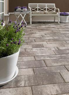 KANN Centara Pflastersteine im schlanken Format bringen ein modernes Ambiente auf jede Fläche.