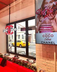 @chanelofficial #CocoCafe opened in Moscow today!/ С сегодняшнего дня на Патриарших прудах в Москве заработал pop-up бутик Chanel Coco Café в котором можно приобрести косметику марки а также сделать макияж и укладку. Успейте зайти - пространство открыто до 15го августа! #ilovecoco  via VOGUE RUSSIA MAGAZINE OFFICIAL INSTAGRAM - Fashion Campaigns  Haute Couture  Advertising  Editorial Photography  Magazine Cover Designs  Supermodels  Runway Models