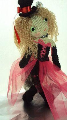Nicole amigurumi, crochet art doll