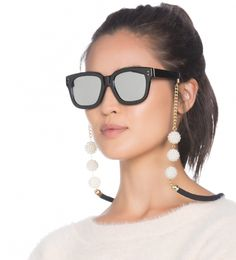 cordinha óculos – OqUsar You are not reading wrong … yes, the glasses string is back! Sunglasses Accessories, Fashion Accessories, Diy Glasses, Lunette Style, Eyeglass Holder, Eyewear, Chains, Google Search, Bracelets