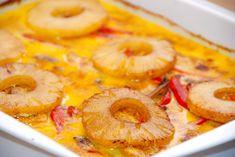 En meget lækker opskrift på karry kylling i fad med ananas. Retten laves samlet i et fad, og steges 40 minutter i ovnen. En favorit hos de fleste.