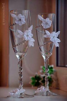 Wedding Champagne Glasses/Bridal/Wedding Decor/Centerpiece/For the Groom/Wedding Favors/Wedding Decoration/Bride/Groom/Set of 2 glasses Wedding Wine Glasses, Wedding Flutes, Champagne Glasses, Champagne Bottles, Wine Bottles, Wine Glass Crafts, Wine Bottle Crafts, Bottle Art, Wedding Crafts