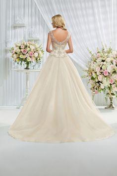 https://flic.kr/p/BDvtaF | Trouwjurken | Trouwjurken vintage, Moderne Trouwjurken, Korte trouwjurken, Avondjurken, Wedding Dress, Wedding Dresses | www.popo-shoes.nl