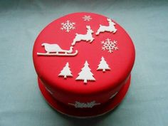cake Picture from Cakes. Christmas Cake Designs, Christmas Cake Decorations, Christmas Cupcakes, Christmas Sweets, Christmas Cooking, Christmas Goodies, Holiday Desserts, Sweets Cake, Cupcake Cakes