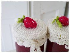 Marmeladenglashäubchen - versponnenes free German pattern for these cute crocheted jar lid covers deutschsprachige Anleitung für diese süßen Marmaladenglas-Deckel
