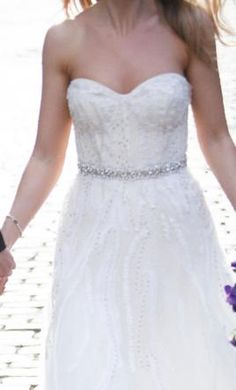 Used Monique Lhuillier Wedding Dress Candy, Size 4