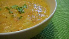 Aggiungiamo una verdura importante nello svezzamento, il cavolfiore, preparato come una crema colorata e gustosa.