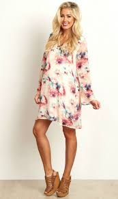 You can't go wrong in this chiffon dress. A delicate chiffon material and a gorgeous abstract print are easy to dress up or down for any occasion. Style it with your favorite pair of boots and a statement necklace for a complete look. Cute Maternity Style, Stylish Maternity, Maternity Wear, Maternity Fashion, Maternity Dresses, Maternity Wardrobe, Pregnancy Wardrobe, Maternity Clothing, Shower Outfits