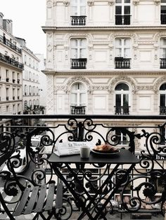 Weekend Favorites: Paris, My Recipes & Lovely Links. The Places Youll Go, Places To Go, Little Paris, Belle Villa, Parisian, Beautiful Places, Around The Worlds, In This Moment, Paris France