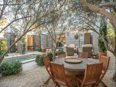 Comfy Seating Area Design Ideas For Backyard - Garten typen Outdoor Seating Areas, Outdoor Dining, Outdoor Spaces, Outdoor Decor, Dining Area, Backyard Retreat, Backyard Patio, Backyard Landscaping, Wood Patio