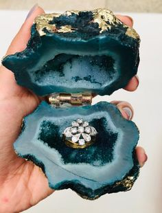 Wedding Ring Box Natural Geode Agate Blue Green Box | Etsy Cute Jewelry, Jewelry Box, Jewelery, Cute Engagement Rings, Diamond Engagement Rings, Wedding Ring Box, Blue Wedding, Green Box, Blue Green
