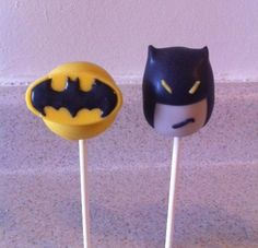 Batman #CakePops      Via Tori - Platinum Elegance Weddings & Events