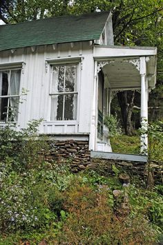 One-story old farm house. Love the rock foundation. Cottage In The Woods, White Cottage, Cozy Cottage, Cottage Style, Farm Cottage, Shabby Cottage, Cottages And Bungalows, Cabins And Cottages, Porches