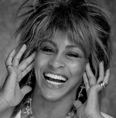See Tina Turner pictures, photo shoots, and listen online to the latest music. Tina Turner, Soul Singers, Female Singers, Beautiful Smile, Beautiful People, Beautiful Women, Female Rock Stars, Laughing Pictures, Celebrity Smiles