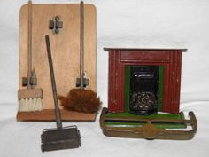 Superb-Old-Dolls-House-items-Cast-Metal-Fireplace-Rare-Carpet-Cleaner-ubank