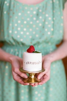 Mini cakes can be used for place cards and favors. Source: wedding chicks #favors #minicakes