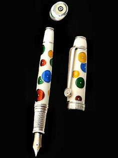 worlds most expensive pens Best Writing Pen, Pencil Writing, Writing Pens, Most Expensive Pen, Quill And Ink, In Memory Of Dad, Pencil And Paper, Fountain Pen Ink, Writing Instruments