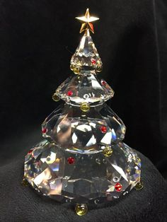 Swarovski Christmas Tree Swarovski Ornaments, Swarovski Crystal Figurines, Swarovski Jewelry, Swarovski Crystals, Jewelry Christmas Tree, Christmas Tree Baubles, Christmas Bulbs, Art Of Glass, Cut Glass