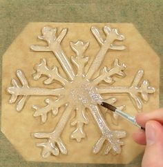 Some hot glue, and your windows look like a fairytale landscape. Your… - Art Decoration Xmas Crafts, Diy And Crafts, Noel Christmas, Christmas Ornaments, Diy For Kids, Crafts For Kids, Snow Flakes Diy, Christmas Decorations, Creative