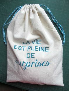 "DIY, Sac à coulisses - ""Les petits bonheurs de Miss T"" Diy Sac, Couture, Drawstring Backpack, Blog, Fashion, Wool Felt, Tricot, Fashion Styles, Drawstring Backpack Tutorial"