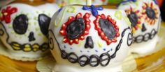 Sugar Skull Caramel Apples