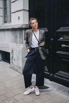 Oversized blazer / street style fashion / Fashion week #fashionweek #fashion #womensfashion #streetstyle #ootd #blazer #style / Pinterest: @fromluxewithlove