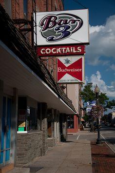 Bar 3, Rockford, Illinois