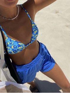 sunshinelifee | VSCO Mode Für Teenies, 40s Mode, Mode Ootd, Cute Swimsuits, Cute Bikinis, Trendy Outfits, Cute Outfits, Fashion Outfits, Fashion Hair