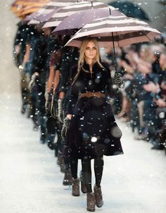Burberry, what a beautiful runway show!